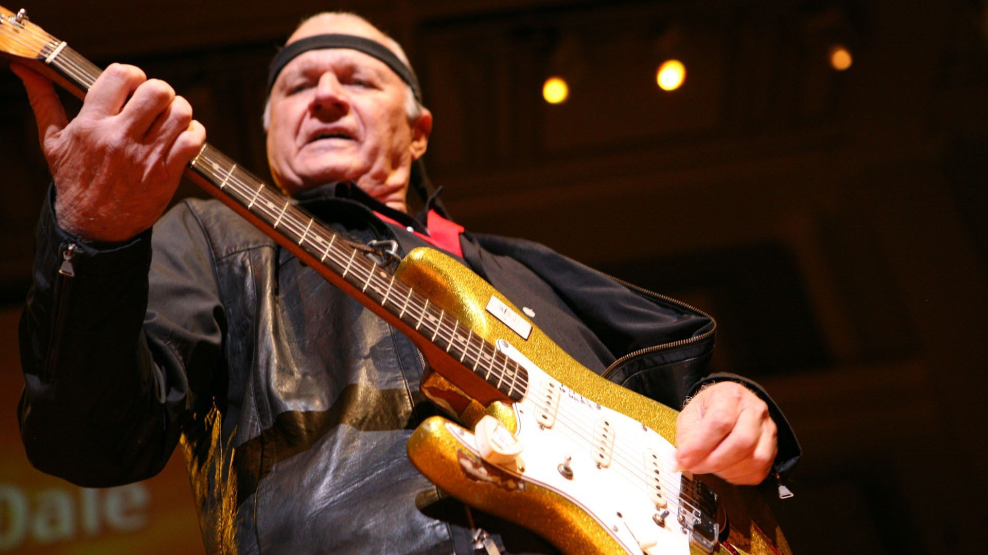 dick dale Welcome to the magic of dick dale dick dale has been a full time magician for  over 20 years he currently resides in san diego, california while entertaining.